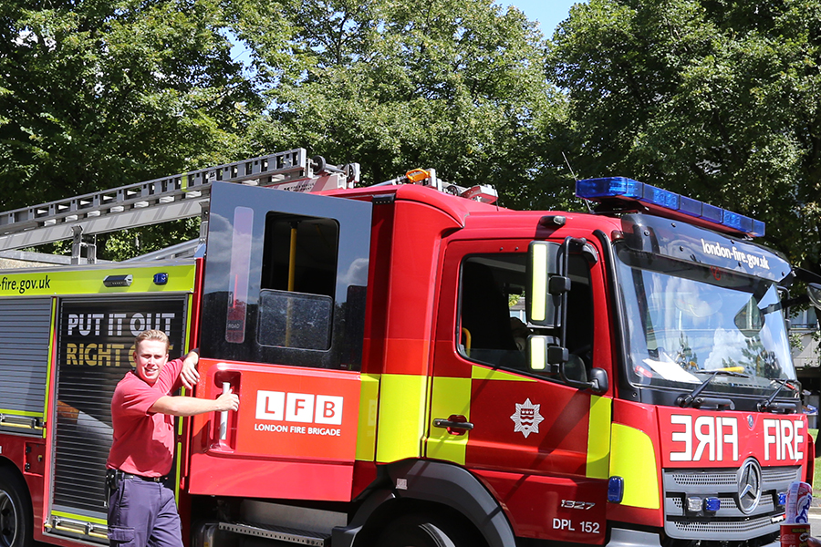 london-fire-brigade-brandon-summer-fete_1313